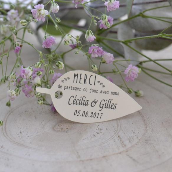 étiquette mariage, forme feuille, papier ivoire, cadeau invité, dragée