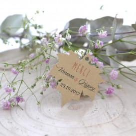 étiquette mariage, forme feuille platane, papier kraft, personnalisée