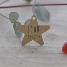 étiquette baptême, papier kraft, forme étoile.