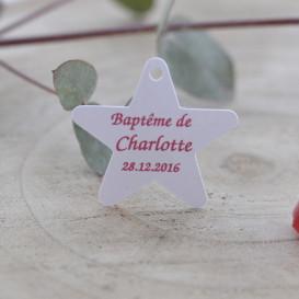 étiquette baptême, papier blanc, forme étoile.
