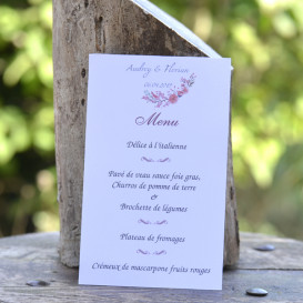 Menu mariage, cascade de fleurs, mariage champêtre, papier blanc