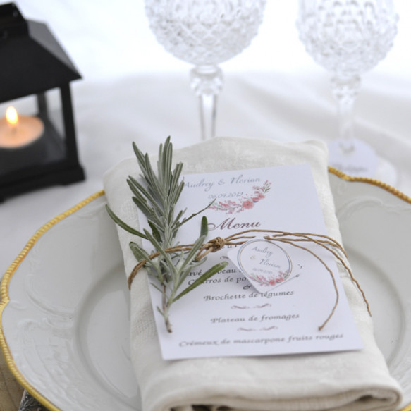 Menu mariage, cascade, mariage champêtre, papier blanc